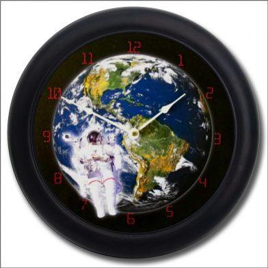 Astronaut Clock blk frm
