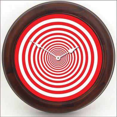 Red Target Clock brn frm