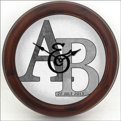 Monogram Clock Gray brn frm